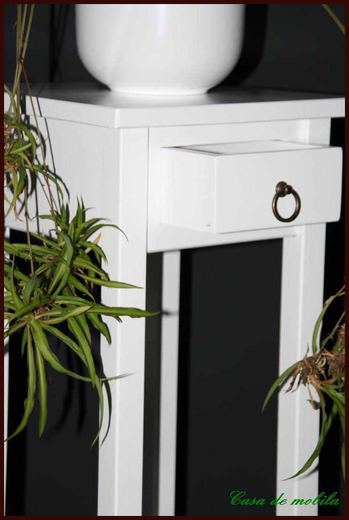 klassische blumentisch blumenhocker weiss lackiert 80 bei. Black Bedroom Furniture Sets. Home Design Ideas
