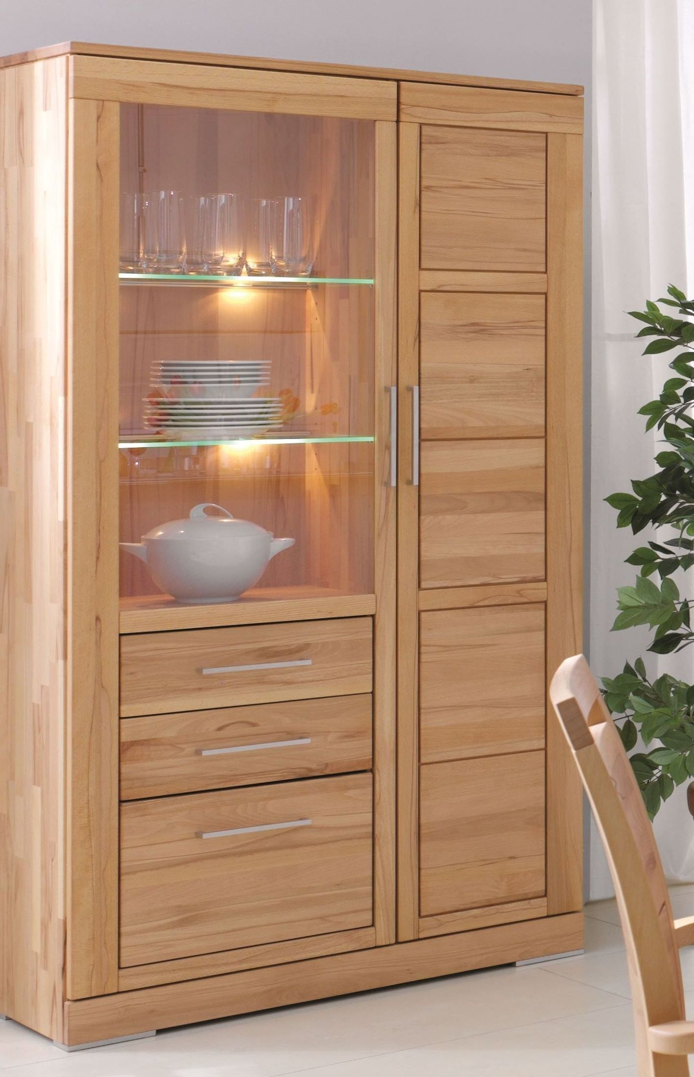 wohnzimmerschrank vitrine holz rotkernbuche massiv natur ge lt casera. Black Bedroom Furniture Sets. Home Design Ideas
