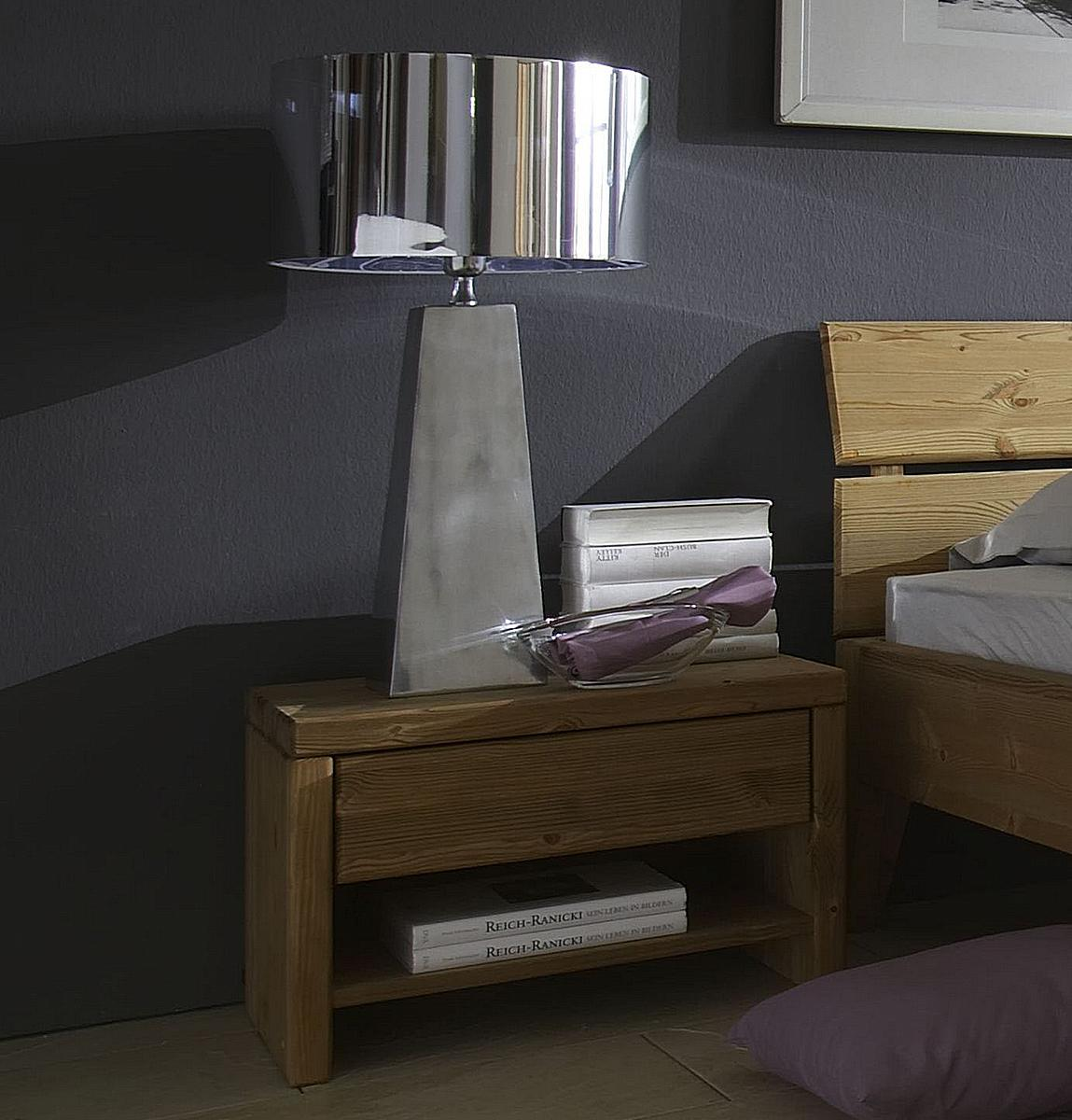 vollholz nachtkommode h he 39 cm kiefer massiv gelaugt. Black Bedroom Furniture Sets. Home Design Ideas
