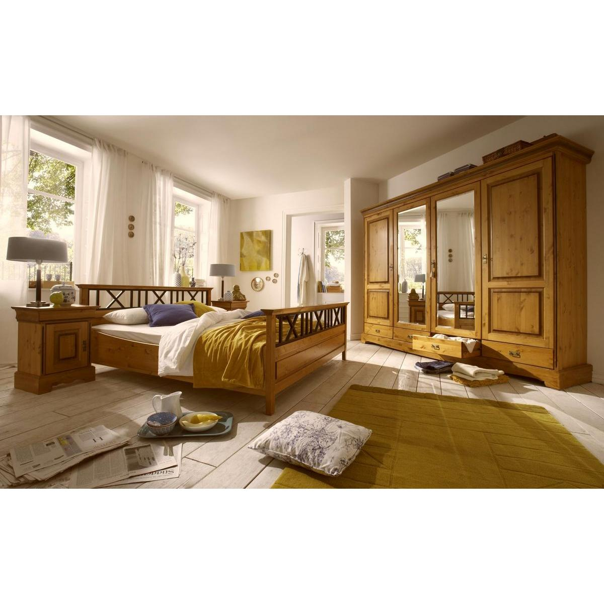 massivholz doppelbett 200x200 paris kiefer massiv goldbraun lackiert. Black Bedroom Furniture Sets. Home Design Ideas