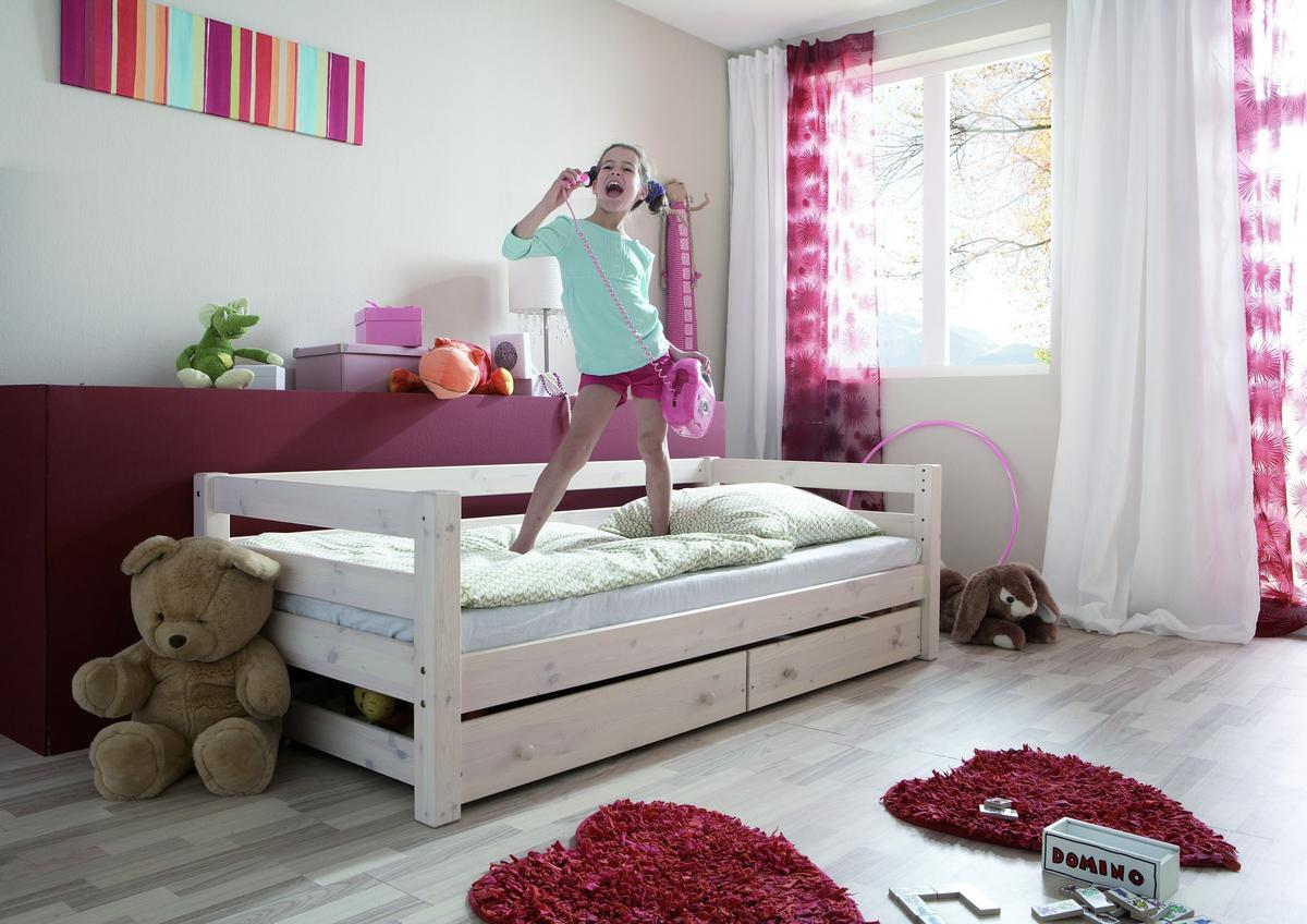 einzelbett 90x200 kinderbett mit schubladen kiefer massiv weiss lasiert. Black Bedroom Furniture Sets. Home Design Ideas
