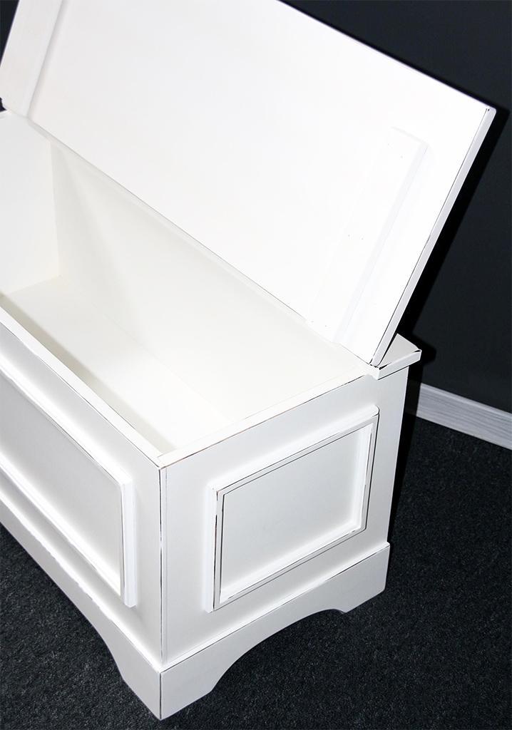 flachdeckeltruhe truhe antik shabby chic weiss lackiert. Black Bedroom Furniture Sets. Home Design Ideas