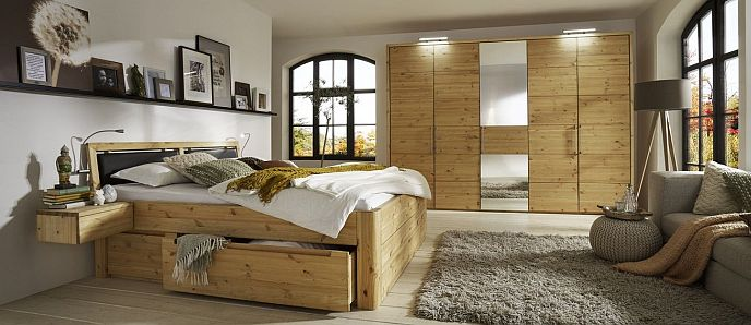 komplett eingerichtete schlafzimmer aus naturholz. Black Bedroom Furniture Sets. Home Design Ideas