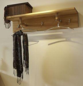 Massivholz Wandgarderobe Kiefer massiv GULDBORG Garderobe holz gelaugt/geölt